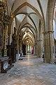 St. Blasius Regensburg Albertus-Magnus-Platz 1 D-3-62-000-24 44 Nördliches Seitenschiff Blick nach Osten.jpg