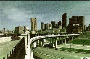 Interstate 35E (Minnesota) - The St. Peter Street bridge over the I-94 overlap