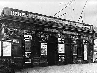 St. Mary's (Whitechapel Road) tube station - St. Mary's (Whitechapel Road) station in 1916