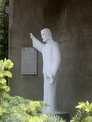 English: Statue of Jesus Christ at Parish of t...
