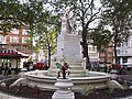 Statue of William Shakespeare at the centre of Leicester Square Gardens, London (4039165989).jpg