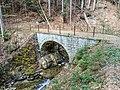 Steinbogenbrücke Wald.jpg