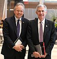 Stephen Poloz, gobernador del Banco de Canadá y Jerome Powell, Presidente de la Reserva Federal de Estados Unidos - Día 2 - 3era reunión de ministros de Finanzas y Presidentes de Bancos Centrales (42851833384).jpg