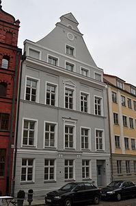 Stralsund, Fährstraße 22 (2012-03-11) 1, by Klugschnacker in Wikipedia.jpg
