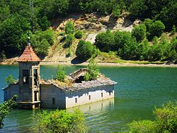 Submerged church of St. Nicholas (Mavrovo).jpg