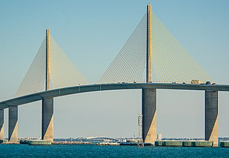 Sunshine Skyway Bridge - Image: Sunshine Skyway Bridge 4SC 6643 15