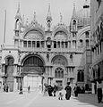 Szent Márk székesegyház a Piazetta felől, jobbra a Dózse palota. Fortepan 4312.jpg