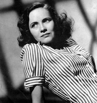 Shadow of a Doubt - Promotional portrait of Teresa Wright for Shadow of a Doubt, the film for which she received her first top billing