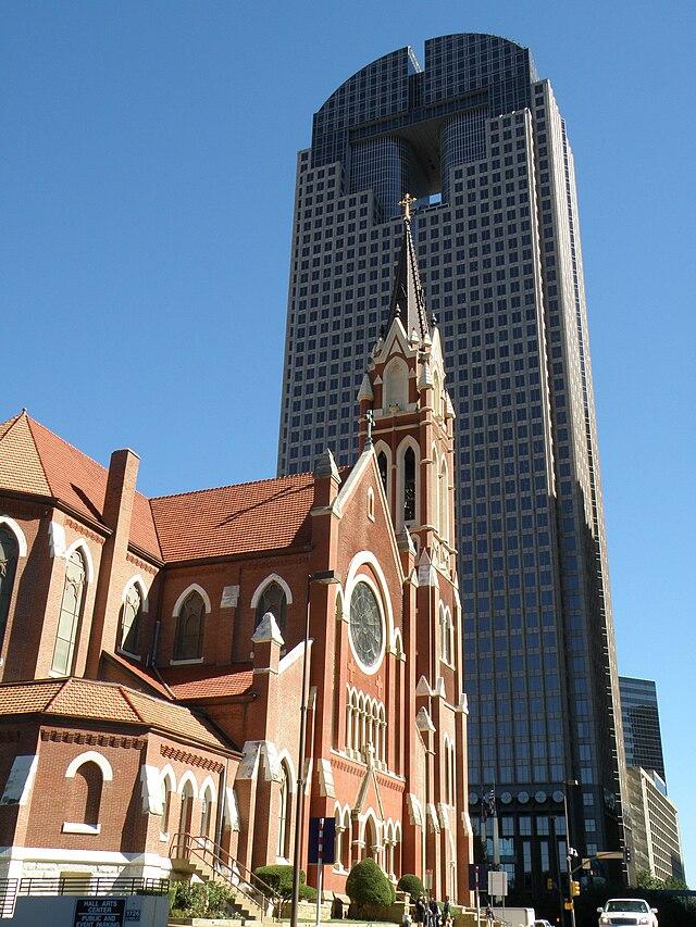 السياحة في دالاس مدينة أمريكية 640px-The_Catholic_C