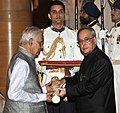 The President, Shri Pranab Mukherjee presenting the Padma Shri Award to Dr. Narendra Prasad, at a Civil Investiture Ceremony, at Rashtrapati Bhavan, in New Delhi on April 08, 2015.jpg