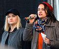 Tiffany Kronlöf (till vänster) och Bianca Kronlöf (höger) i Kärrtorp dec 2013 - version 3.jpg