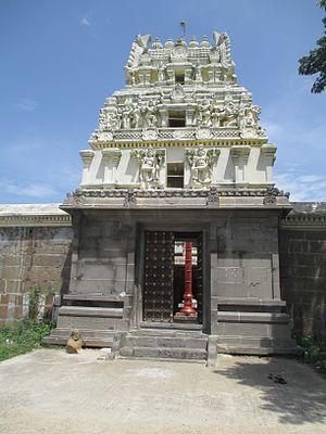 Trilokyanatha Temple - Image: Tiruparuthikundram (15)
