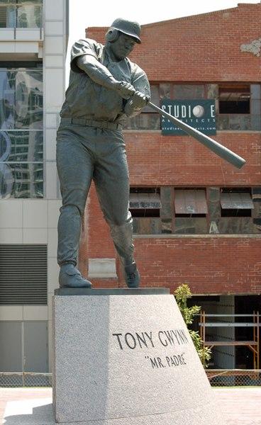 File:Tony Gwynn statue.jpg