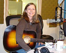 Tracy Grammer bei KBCS Radio, 2008