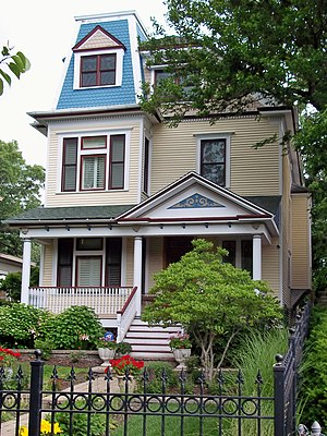 Uptown, Chicago - A Victorian house in the Sheridan Park Historic District