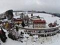 Vítkovice (okres Semily), domy u kostela.jpg