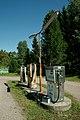 Vanhoja polttoainepumppuja Yttilässä.jpg