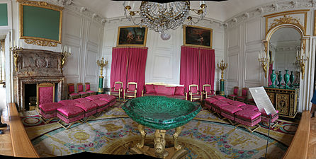 Versailles-Le Grand Trianon-Salon des Malachites.jpg