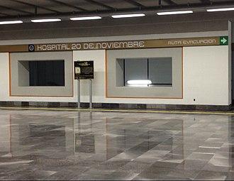 Metro Hospital 20 de Noviembre - Image: Vestibulo estacion 20dn