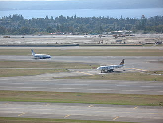 Seattle–Tacoma International Airport - Sea–Tac Airport in September 2007 as runway 16R/34L was under construction (opened November 2008)