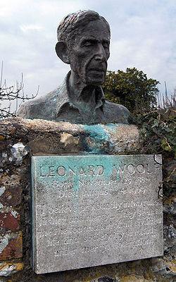 Photo of Leonard Woolf stone plaque