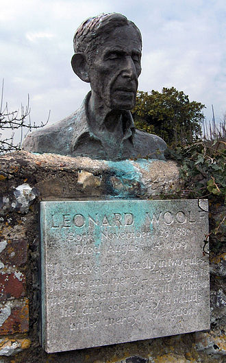 Leonard Woolf - Bust of Leonard Woolf at Monk's House