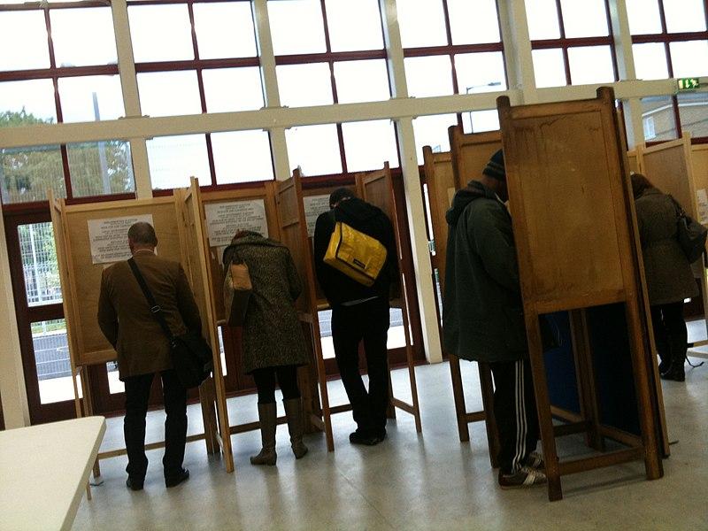 File:Voting in Hackney.jpg