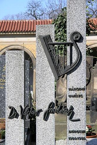 Václav Smetáček - Image: Vyšehradský hřbitov Václav Smetáček (dirigent)