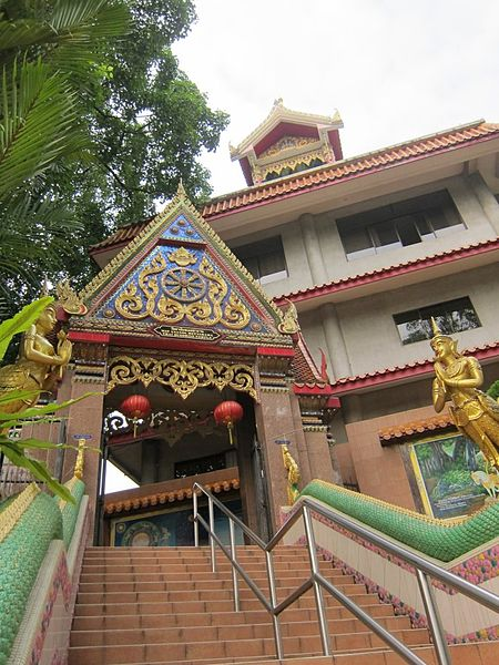 File:Wat Ananda Metyarama Thai Buddhist Temple.jpg