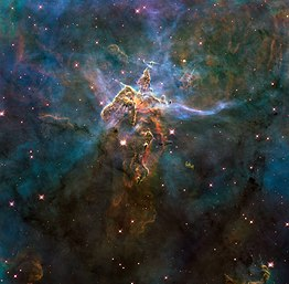 Wide view of HH 901 and HH 902 in the Carina nebula (captured by the Hubble Space Telescope).jpg