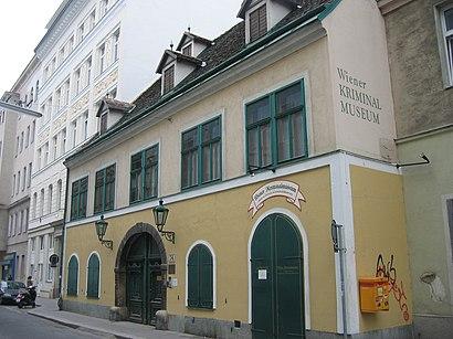 So kommt man zu dem Wiener Kriminalmuseum mit den Öffentlichen - Mehr zum Ort Hier
