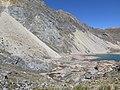 Yanawayin landslide and remainings of buildings of the Chungar Mine - looking SW IMG 3273.jpg