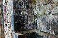 Yeni Zod kilsəsinin interyerində xaçlı daş.jpg