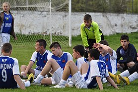 Young Kosovo national team footballers.JPG