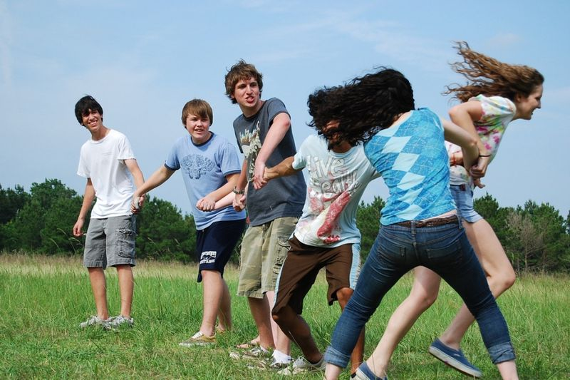 File:Youths Playing Red Rover.jpg