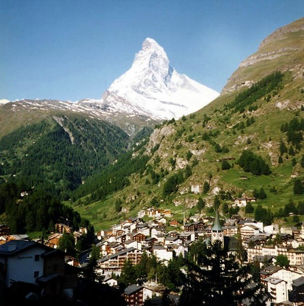 Bild:Zermatt and Matterhorn.jpg