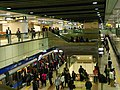 Zhongxiao Xinsheng Station platform 20110305.jpg