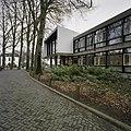 Zicht op de rechter zijgevel - Hilversum - 20389403 - RCE.jpg