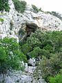 Zmajeva pecina u Murvice, jeskynni poustevna osidlena v 14.-.jpg