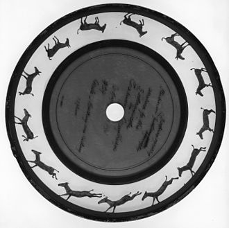 Zoopraxiscope - Black-and-white picture of a coloured zoopraxiscope disc, circa 1893 by Eadweard Muybridge and Erwin F. Faber