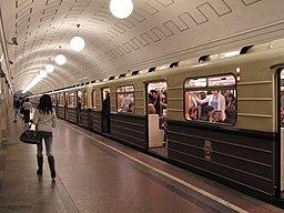"""Sokolniki"" retro train at Okhotny Ryad station (Ретропоезд ""Сокольники"" на станции Охотный Ряд) (5089430034)"