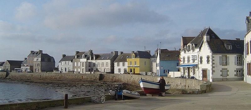 Fichier:Île de sein, quai des français libres.jpg