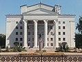 Драмтеатр в Донецке со стороны бул. Пушкина.jpg
