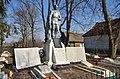 Моделів. Група братських могил радянських воїнів та пам'ятник воїнам-односельцям.jpg