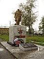 Памятник на привокзальной площади ст. Верхотурье.jpg