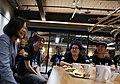 03.24 總統參訪電競世界冠軍團隊閃電狼,與選手們相談 (32808601573).jpg