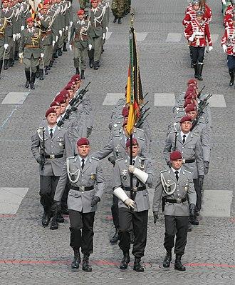 Fallschirmjäger - Fallschirmjäger of 26th Air Assault Battalion at the 2007 Bastille Day Military Parade.