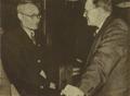 195104 世界和平理事会中国代表吴耀宗与加拿大代表文幼章.png