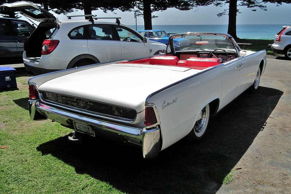 1962 Lincoln Continental convertible (6262975751)