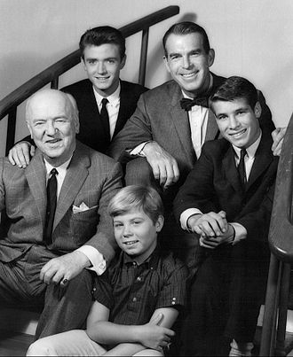 William Frawley - Clockwise from left: William Frawley, Tim Considine, Fred MacMurray, Don Grady, and Stanley Livingston on My Three Sons (1962)
